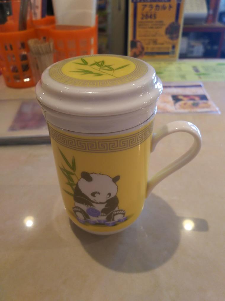 亜州食堂チョウクの水曜メニューの烏龍茶
