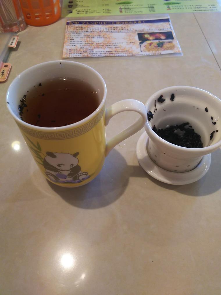 亜州食堂チョウク水曜メニュー烏龍茶の葉を取り出し完成