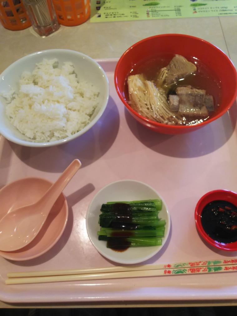 亜州食堂チョウク水曜メニューのバクテー
