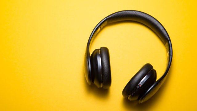 音楽をイメージしたヘッドフォン
