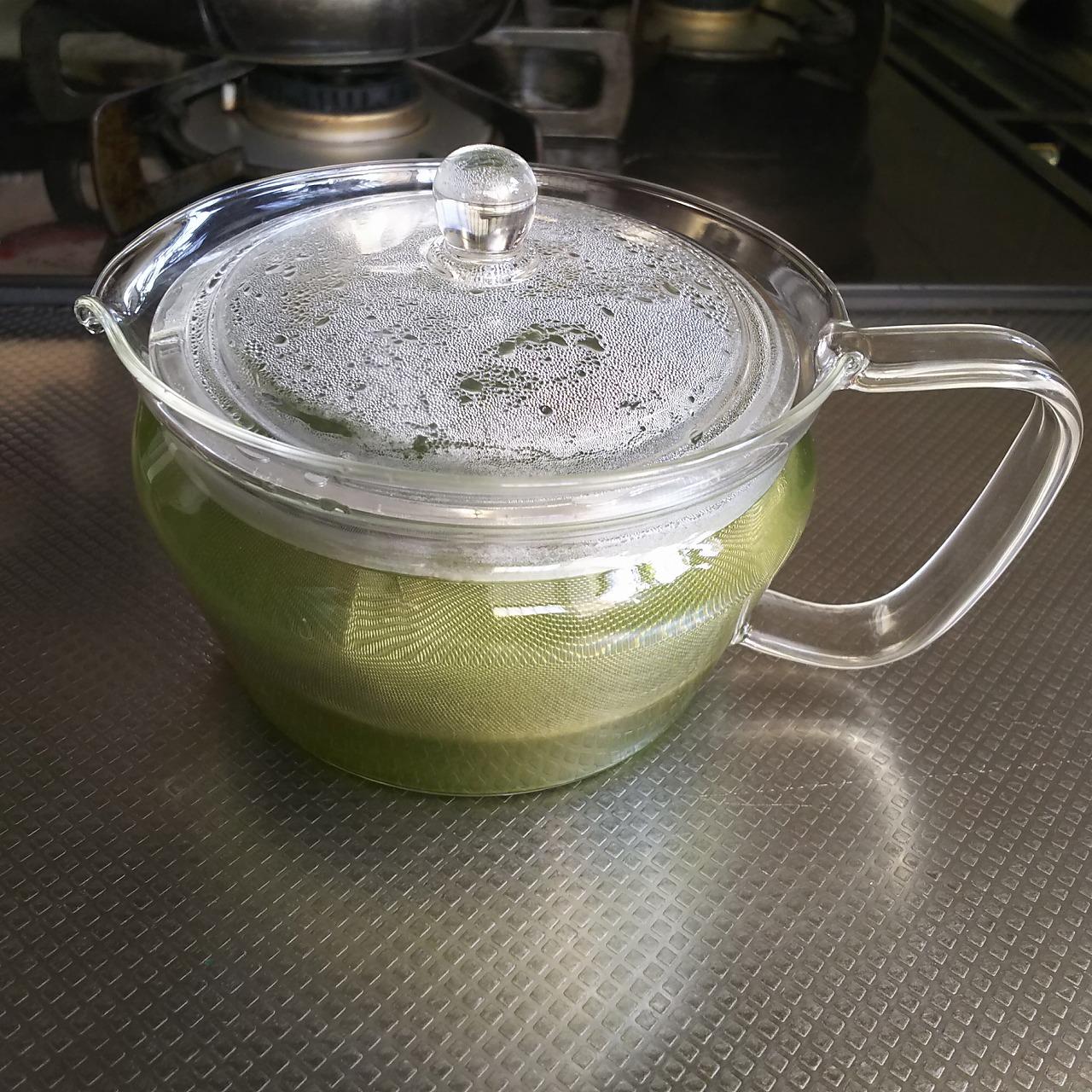 ハリオの急須 禅に緑茶をいれる