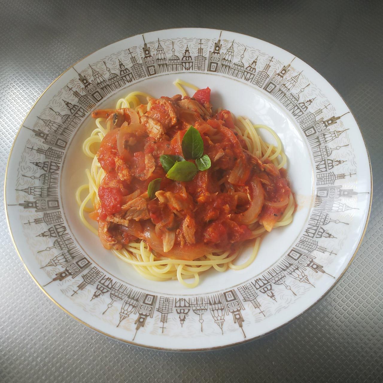 鯖トマトスープでパスタ