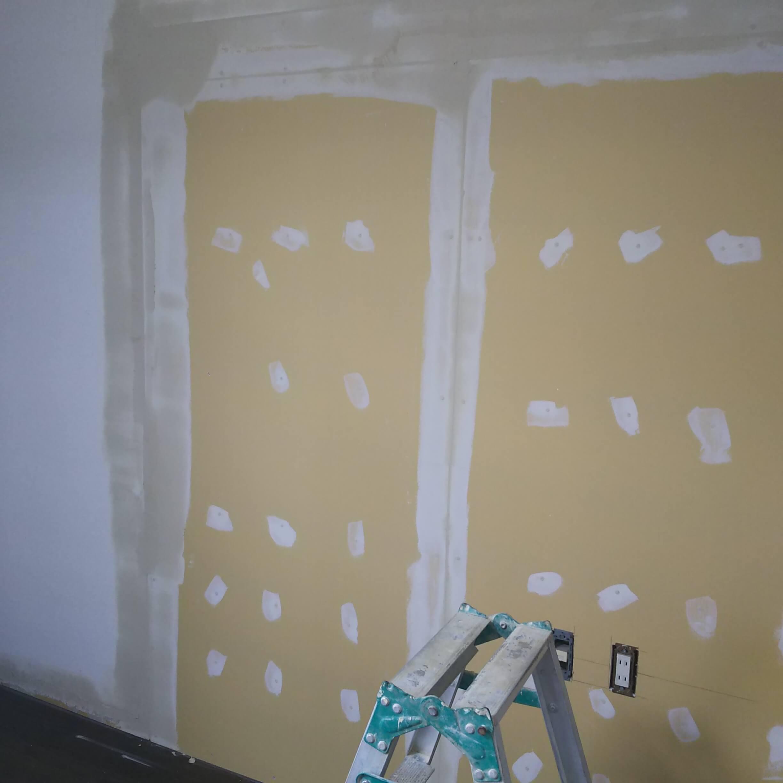 壁の下準備