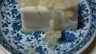 豆腐にのせた発酵玉葱